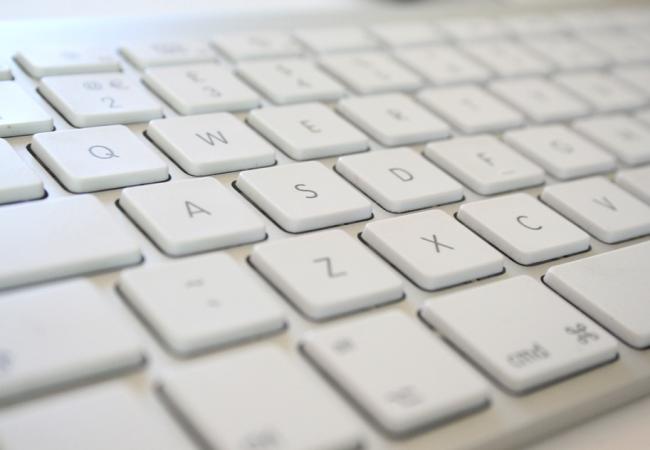 Apple klávesnice (drátová) s numerickou klávesnicí