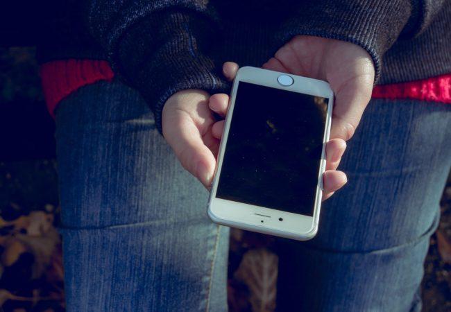 Každý rok nový iPhone? Ne, neušetříte!